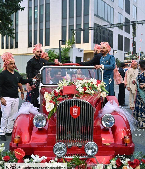 rent red vintage car for wedding