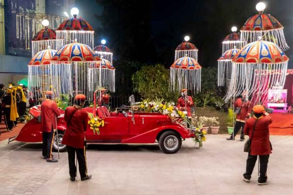 our red vintage car for wedding